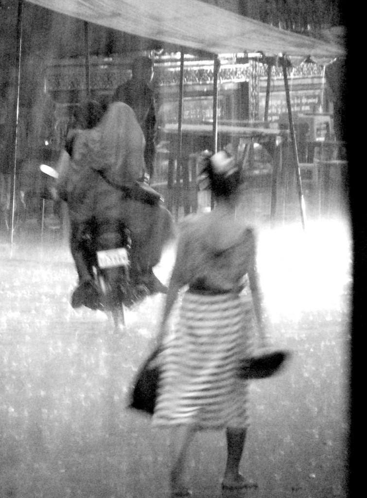 fille-ss-pluie